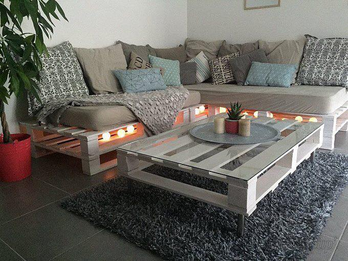 sofa and coffee table done from pallets